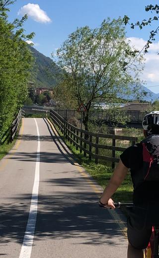 Una mattina sulla ciclabile della Valsugana, dal lago di Caldonazzo a Borgo