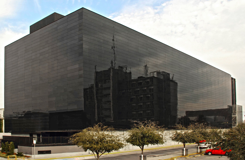 Modernizzazione facciata FEMSA sede centrale della Coca Cola a Monterrey, MESSICO